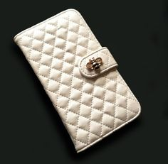 White Quilted leather Samsung Galaxy S5 wallet case with gold bumblebee, Cute Galaxy S5 leather wallet case, Luxury Galaxy S5 case