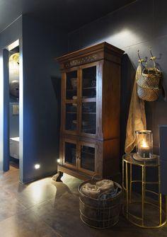 Eksotisk spabad til hverdags - inspirasjon til fornyelse på badet! Nordic Living, Bookcase, Aqua, Shelves, Lady, Interior, Bathrooms, Furniture, Home Decor