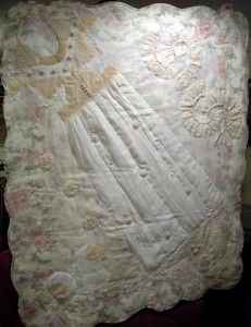 I want to make a quilt from my wedding dress! Wedding Dress Quilt, Old Wedding Dresses, Wedding Dress Crafts, Wedding Gowns, Dress Makeover, Recycled Wedding, Sewing Machine Projects, Crazy Quilt Blocks, Vintage Quilts