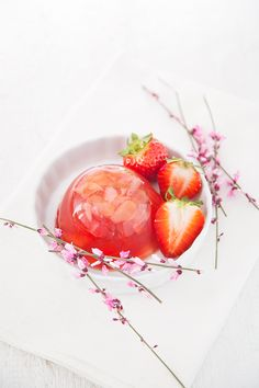 So fresh looking Rose Jelly Recipe, Clean Recipes, Sweet Recipes, Mojito, Patisserie Vegan, Black Food, Fruit Jam, Beautiful Fruits, Flower Food
