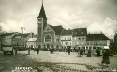 Bratislava, Old Street, Mansions, House Styles, Building, Squares, Home, Manor Houses, Bobs