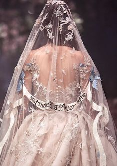 Paolo Sebastian 2018 s/s couture Bridal accessories, voile Wedding Veils, Our Wedding, Dream Wedding, Wedding Dresses, Forest Wedding, Wedding Bride, Wedding Shoes, Dress Vestidos, Look Girl