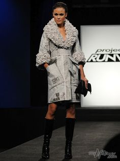 Project Runway: Recycled Fashion- A beautiful recycled newspaper coat/dress. Paper Fashion, Diy Fashion, Runway Fashion, Fashion Show, Fashion Design, Dress Fashion, Recycled Dress, Recycled Clothing, Recycled Cans