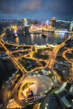 """Macau night view. Another interesting place in the world. Very small country in terms of surface area. Much smaller than Singapore and Hong Kong. I actually managed to tour all the places of my interest in 24 hours. I wouldn't refer to it as """"a hole in the wall"""" because I was mesmerized by the casinos and hotels in this country. The casinos in Macau are very state of the art. I like to think of it as """"Las Vegas"""" of Asia."""