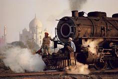Steve McCurry INDIA. Agra. 1983. Taj and train