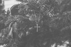 Χριστουγεννιάτικη βάπτιση στην Πεντέλη baptism βαπτιση εκλησσια πεντελη μονη φωτογραφος βαπτισης φωτογραφιες βαπτισης ιδεεσ βαπτισης ιδεες βαπτισης στα βορεια προαστια μπομπονιερες, Χριστουγεννιάτικη βάπτιση στην Πεντέλη σε κοκκινο και πράσινο, διακοσμηση, stavros,σταυροσ, σταυρος βαπτισης