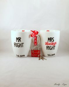 Hochzeitsgeschenk Liebesschloss Tassen Set Mr Mrs von Lovely-Cups   auf DaWanda.com