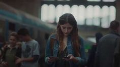 Vodafone Werbung 2014: Bucket List | Nice storytelling through imagery/footage. Grand daughter fulfills gramps' bucket list using 4G/FaceTime.