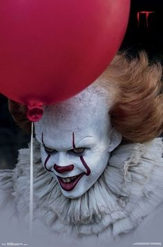 New Pennywise The Clown Image For Stephen King's IT is Creepy as Hell — GeekTyrant Penny Wise Clown, Clown Pennywise, Pennywise The Dancing Clown, Pennywise Tattoo, Le Clown, Creepy Clown, Clown Mask, Scary Movies, Horror Movies