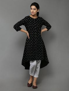 Kurthi for house Oil Painting famous oil paintings Churidar Designs, Kurta Designs Women, Kurti Neck Designs, Kurti Designs Party Wear, Blouse Designs, Short Kurti Designs, Simple Kurti Designs, Kurta Patterns, Moda Chic
