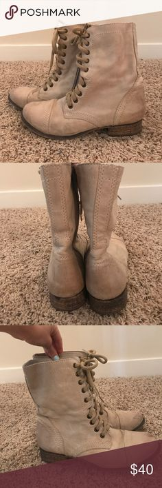 2d539d838c324c Shop Women s Steve Madden Cream Tan size 8 Lace Up Boots at a discounted  price at Poshmark. Description  Gently used Steve Madden combat boots.