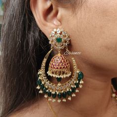 Designed in 14 carat gold. Please contact on direct message . - Designed in 14 carat gold. Please contact on direct message 30 - Indian Jewelry Earrings, Gold Jhumka Earrings, Fancy Jewellery, Jewelry Design Earrings, Gold Earrings Designs, Gold Jewellery Design, India Jewelry, Gold Jewelry, Jewellry Box