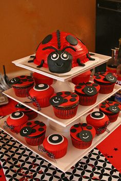 Here is the ladybug cake, and matching ladybug and dot cupcakes for a ladybug themed baby shower.