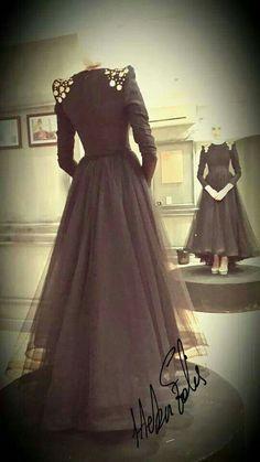 So Elegant 😍 Hijab Evening Dress, Hijab Dress Party, Evening Dresses, Abaya Fashion, Muslim Fashion, Fashion Dresses, Hijab Look, Hijab Style, All Black Dresses