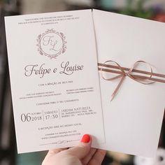 Nude - Convite com envelope- - Wedding Invitation Envelopes, Country Wedding Invitations, Invitation Cards, Wedding Goals, Wedding Planning, Dream Wedding, Wedding Phrases, Wedding Cards, Harry Potter Wedding Cakes
