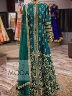 Heavy long bridal jacket style dress. #Teal #green #Bridal #Wear #ModaFigura #moda #figura #modafigura