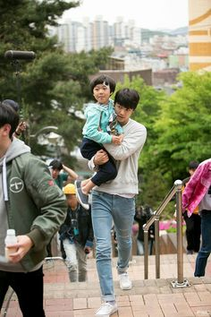 CHAN HEE omg ha neul so cute w him Kang Min Hyuk in Entertainer. he was truly the star of the show