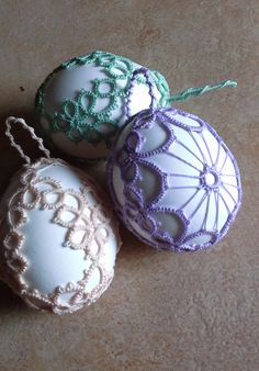 Seasonal ornaments – Tatting lace decorated easter eggs. – a unique product by Tansyjay on DaWanda