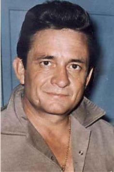 """JOHN R, """"JOHNNY"""" CASH 02-26-1932 til 09-12-2003 (71) AMERICAN SINGER, SONGWRITER, MUSICIAN, ACTOR & AUTHOR."""