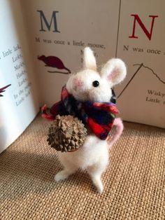 Needle felted mouse felted mouse felted Christmas by BramblyWoods