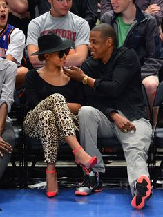 Beyonce and Jay Z's courtside, post-baby PDA.
