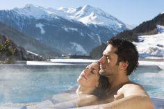 Bad Gastein: a nevében is fürdőváros - olvasd el élménybeszámolónkat! Snowboard Goggles, Ski And Snowboard, Snowboarding, Skiing, Ski Goggles, Boston Winter, Bad Gastein, Spa Breaks, Ski Vacation