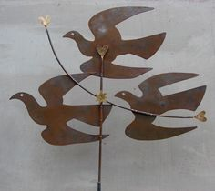 'Pigeon' weathervane by Mark Hearld, worked in sheet steel and brass by Dave Tigwell for the redisplay of the British Folk Art Collection at Compton Verney. Hearld is both curating the redisplay and producing new works in response to the collection, which opens to the public on 17 March 2018. Bird Sculpture, Outdoor Sculpture, Blowin' In The Wind, Glasgow School Of Art, Kinetic Art, Royal College Of Art, Bird Design, Bird Art, Pottery Art