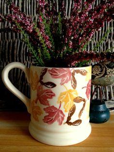Emma Bridgewater Sample mug Emma Bridgewater Pottery, Stoke On Trent, Cafe Bar, Mug Cup, Pottery Art, Vignettes, Fall Decor, Flora, Cups