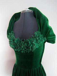 1940s vintage green velvet evening gown