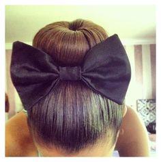 Trendy HairStyles Ideas : Sock bun with a bow♥ Bun Hairstyles, Trendy Hairstyles, Brown Auburn Hair, Brown Hair, Wavy Ponytail, Hair Updo, Bohemian Braids, Bridesmaid Hair, Bridesmaids