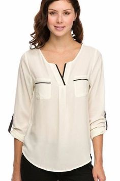 Live this preppy white blouse with black accents! Blouse Styles, Blouse Designs, Mode Glamour, Casual Outfits, Fashion Outfits, Boho Fashion, Short Tops, Casual Tops, Dress Patterns