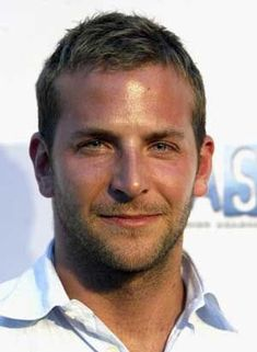 Want to get a mens hairstyle like Bradley Cooper! In our gallery we rounded it off 20 Bradley Cooper hairstyles Haircuts For Receding Hairline, Hairstyles For Receding Hairline, Receding Hair Styles, Military Haircuts Men, Trendy Mens Haircuts, Haircuts For Men, Bradley Cooper Haare, Bradley Cooper Haircut, Short Hair Cuts