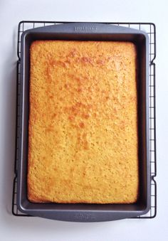 The Best Corn Bread You'll Ever Taste – Life in Classics There are so many great things about growing up in the South: the friendly people, the sometimes-charming accents, the amazing food. Especially the amazing food. My family ate a lot of classic Sout… Southern Cornbread Recipe, Best Cornbread Recipe, Jiffy Cornbread, Homemade Cornbread, Sweet Cornbread, Moist Cornbread, Cornbread Casserole, Gateaux Cake, Corn Bread
