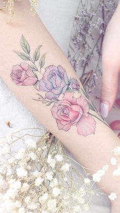 33 Rose Tattoos And Their Origin, Symbolism, And Meanings - diy tattoo images Pretty Tattoos, Unique Tattoos, Beautiful Tattoos, New Tattoos, Body Art Tattoos, Small Tattoos, Cool Tattoos, Drawing Tattoos, Diy Tattoo