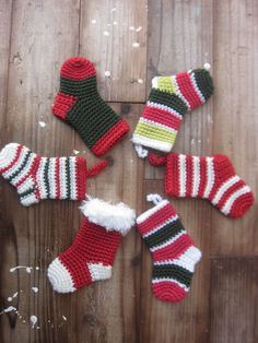Crochet Christmas Ornaments, Christmas Minis, Christmas Time, Christmas Stockings, Xmas, Crochet Clutch, Knit Or Crochet, Free Crochet, Coding For Kids