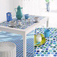 Table mosaïque bouchons plastique - Marie Claire Idées