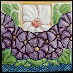 Utzschneider - Multicoloured Jugendstil tile with stylized flowers - Catawiki