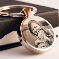 Metal Circle Keyring Photo Engraved Free Personalised Beautiful Gift Jewellery in Keyrings Gifts For Friends, Gifts For Kids, Personalized Fathers Day Gifts, Paper Candy, Baby Shower Gift Basket, Photo Engraving, Wedding Favor Boxes, Jewelry Gifts, Jewellery