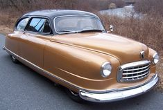1950 Nash, with seats that made into a bed.Looks like a bumper car to me... but I like it!