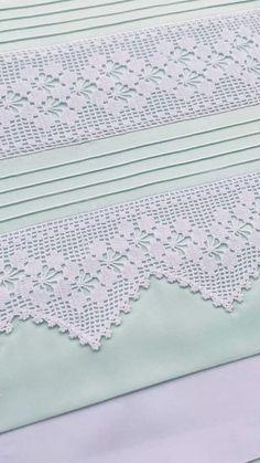 How to Crochet Wave Fan Edging Border Stitch - Crochet Ideas Crochet Bedspread Pattern, Crochet Lace Edging, Crochet Leaves, Crochet Motifs, Crochet Borders, Crochet Stitches, Knit Crochet, Crochet Patterns, Quick Crochet