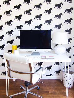 Horse wallpaper. Mokkasin: mokkasin säger hej hos någon annan.   A ...