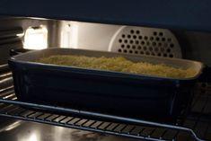Makkelijke ovenschotel met sperziebonen, gehakt en aardappelpuree - Zaligrecept.nl Grains, Rice, Food, Essen, Meals, Seeds, Yemek, Laughter, Jim Rice