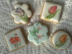 Wow. Beautiful hand painted cookies