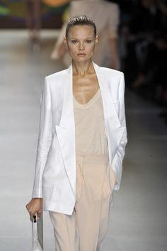Stella McCartney, Spring Summer Chic #topsummer #sasssjane #SummerChic #Summer #Chic #newfashion #fashionsummer www.2dayslook.com