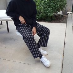 Discover recipes, home ideas, style inspiration and other ideas to try. Ulzzang Fashion, Korean Fashion, High Fashion, Mens Fashion, Fashion Outfits, Fashion Trends, Guy Outfits, Hippie Hoodie, Burning Man