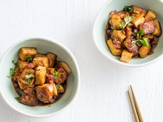 Teriyaki Tofu | This quick and easy vegetarian dish pairs crisped tofu alongside a great homemade teriyaki sauce.