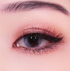 What's Makeup ? What is Makeup ? In general, what is makeup ? Korean Makeup Look, Korean Makeup Tips, Asian Eye Makeup, Korean Makeup Tutorials, Makeup Eye Looks, Eyebrow Makeup, Eyeshadow Makeup, Makeup Eyes, Korean Makeup Ulzzang
