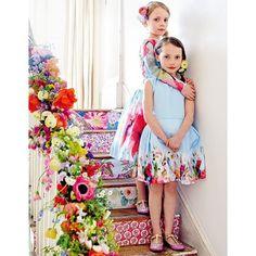 b2ea7bec026ab 幸せあふれる、世界一のウエディングテーブル。 カラフル編 ──サマーウエディングを咲き誇る花々が祝福!