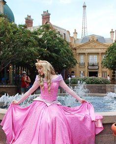 Aurora Disney Fanatic, Disney Nerd, Cute Disney, Disney Parks, Walt Disney World, Walt Disney Pictures Movies, Disneyland Princess, Dress Sites, Walter Elias Disney