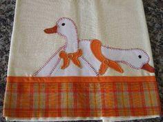 Guardanapo com aplicação em patchwork (50x70cm) As cores podem variar conforme a disponibilidade dos tecidos.